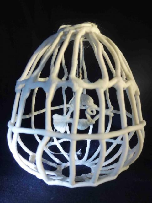 Porcelain - H 10.2 cm-W 8.5 cm-D 8 cm