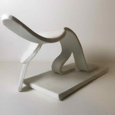 cat-trochu-ceramic-rennes-bretagne-sculpture-génuflexion 0